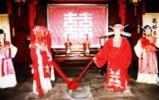Κρήτη: Ομαδικός γάμος 128 Κινέζων στα Χανιά - Όλα έτοιμα για την τελετή που έχει γίνει θέμα συζήτησης!