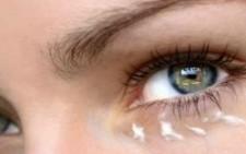 Κρέμες προσώπου και ματιών: Λύστε όλες σας τις απορίες