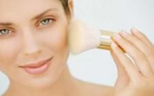 Πως θα διορθώσετε με το  make up τις μικροατέλιες στο πρόσωπο σας (1)