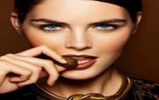 Λαμπερά σοκολατένια χείλη